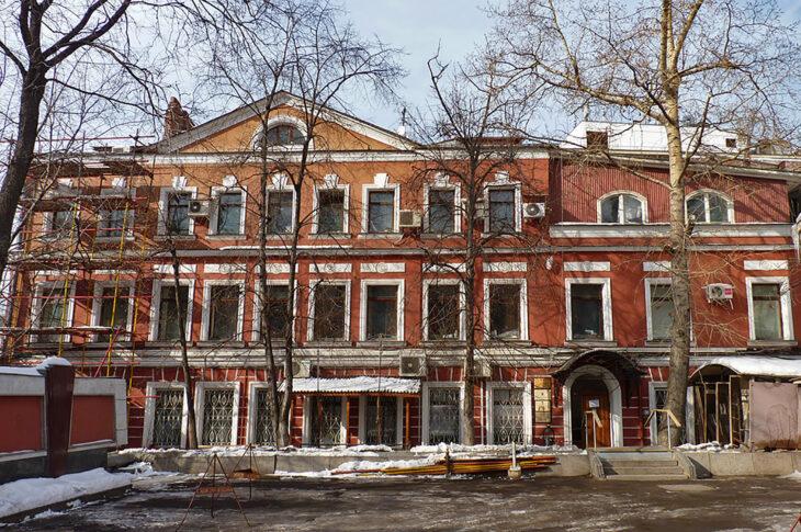 Старинный особняк в Большом Черкасском переулке выставили на торги