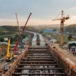 Новый участок Калининско-Солнцевской линии готов на треть