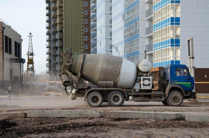 В фундамент цифровых небоскребов iCITY залит первый кубометр бетона залит