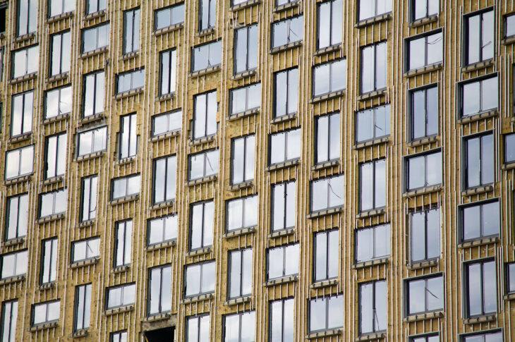 Фасад Zilart Tower на ЗИЛе облицуют зеркальным стеклом